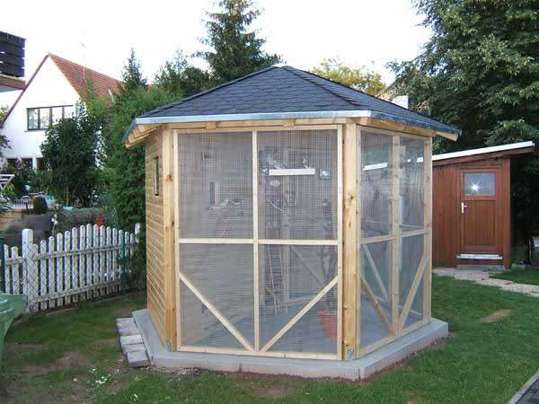 wie baue ich eine terrasse aus holz wohndesign und. Black Bedroom Furniture Sets. Home Design Ideas